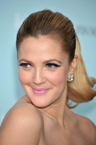 Макияж для блондинок, праздничный макияж с накладными ресницами