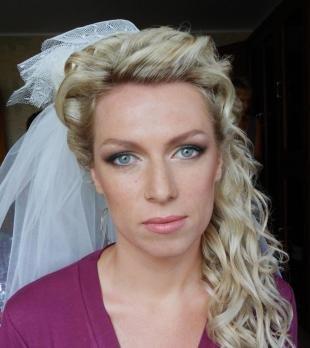 Свадебный макияж для блондинок с голубыми глазами, свадебный макияж для невесты с веснушками