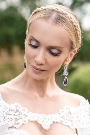 Свадебные прически с косой на длинные волосы, свадебная прическа с косичкой-ободком