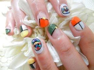 Рисунки дотсом на ногтях, красочный маникюр со смайлами