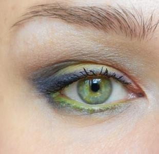 Макияж для блондинок с зелеными глазами, макияж для зеленых глаз под зеленое платье