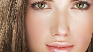 """Легкий макияж для зеленых глаз, макияж """"чистого лица"""" для шатенок"""