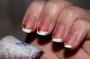 Дизайн ногтей френч, белый френч на коротких ногтях с арбузом