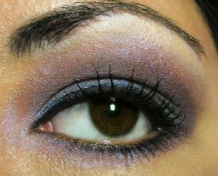 Арабский макияж для карих глаз, вариант вечернего макияжа для нависшего века