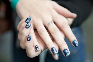 Дизайн ногтей, эффектный маникюр на короткие ногти
