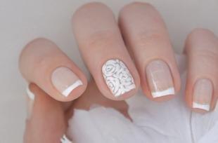 Дизайн ногтей френч, свадебный френч с белыми розами