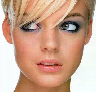 Макияж для блондинок, макияж для зеленых глаз со светло-серыми тенями