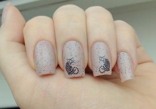 Черные рисунки на ногтях, маникюр с наклейками - котики