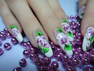 Маникюр с розами, художественная роспись на нарощенных ногтях