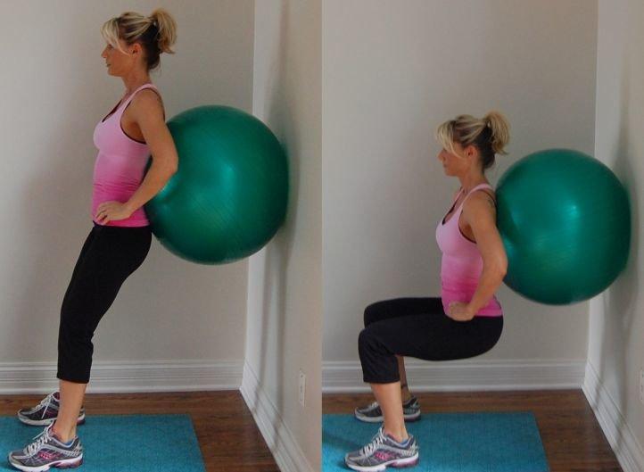 Комплекс упражнений для борьбы с целлюлитом - спиной к стене