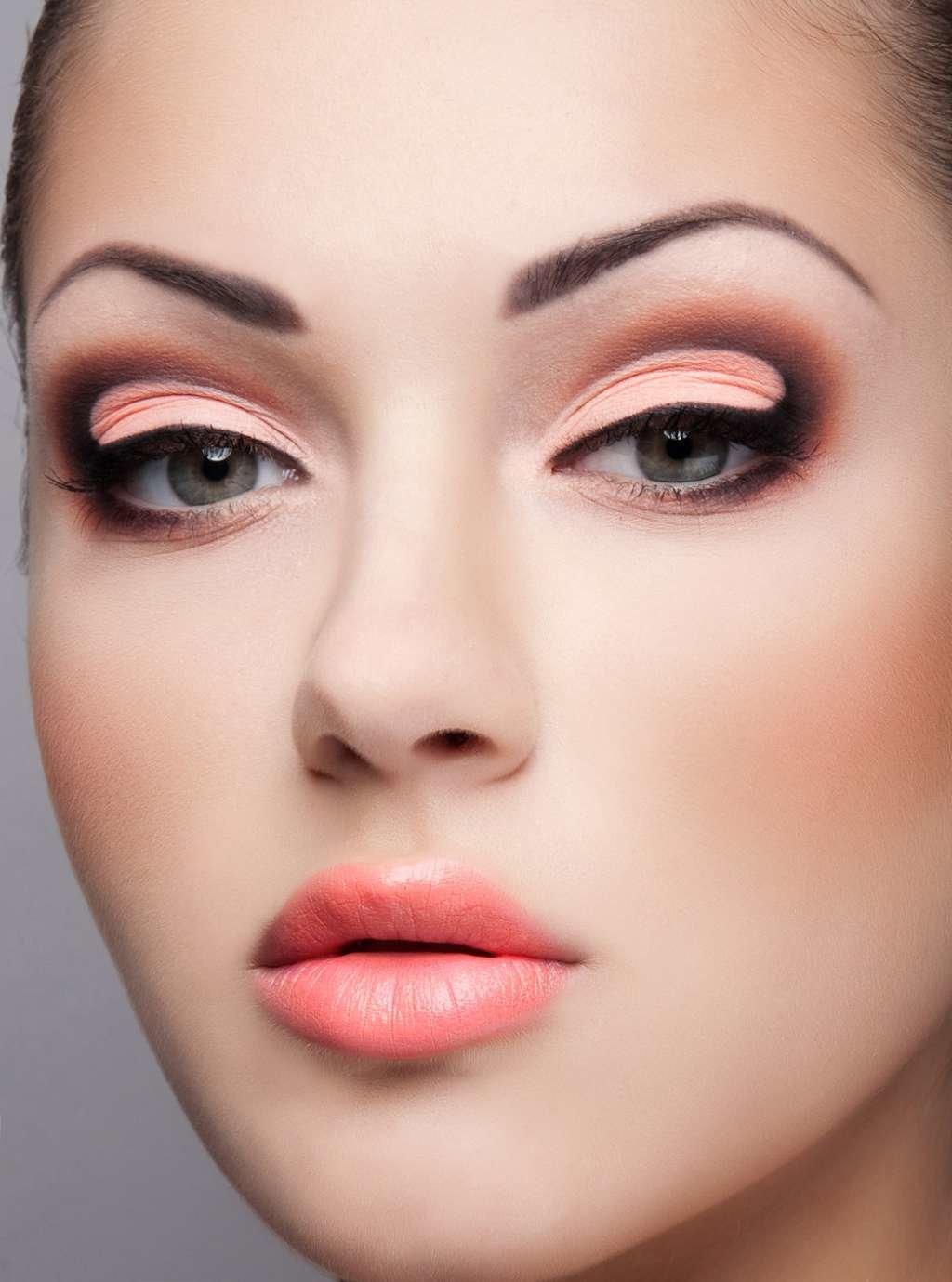 Как сделать макияж суперский