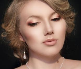 Свадебный макияж для круглого лица, утонченный макияж для серых глаз