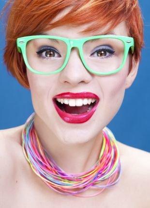 Летний макияж для карих глаз, яркий макияж для рыжеволосых девушек