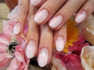 Свадебный маникюр на короткие ногти, свадебный маникюр лунный натуральный френч с блестками