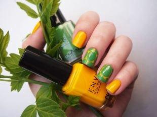 Современные рисунки на ногтях, черепаший маникюр с желтым и зеленым лаками