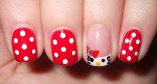 Рисунки на маленьких ногтях, маникюр шеллак в горошек с кошечкой