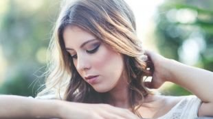 Свадебный макияж для серо-голубых глаз, легкий дневной макияж для шатенок