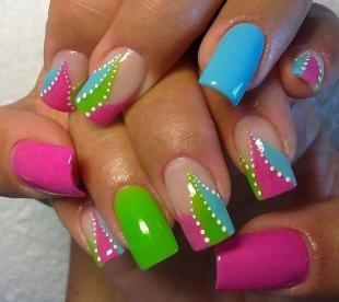 Зеленый френч, идеи яркого френча на длинные ногти