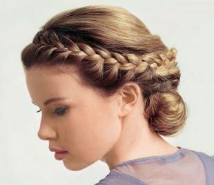 Прически с косами на выпускной: 187 фото популярных причесок для выпускниц