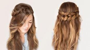 Светло каштановый цвет волос, прическа на длинные волосы - венок из кос