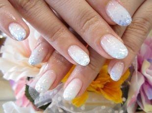Свадебный маникюр на короткие ногти, нежный свадебный маникюр с блестками