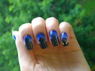 """Современные рисунки на ногтях, маникюр с синим лаком """"ночной город"""""""