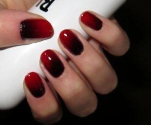 Маникюр омбре, красно-черный градиентный маникюр