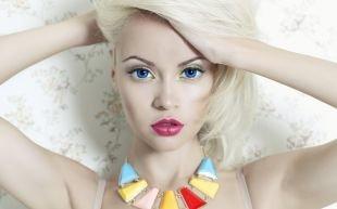 Клубный макияж, макияж для блондинок с голубыми глазами