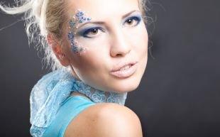 Макияж в синих тонах, свадебный макияж для кареглазых блондинок