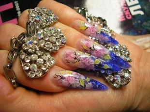 Китайский маникюр, дизайн нарощенных ногтей с использованием сухоцветов