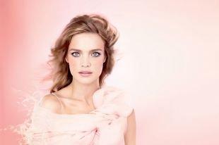 Макияж под персиковое платье, натуральный весенний макияж