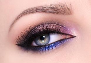 Гламурный макияж, макияж на новый год для серо-зеленых глаз