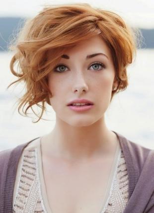 Медно русый цвет волос, красивые кудри на коротких волосах