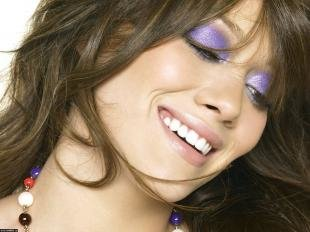 Макияж для шатенок с голубыми глазами, макияж глаз с яркими тенями