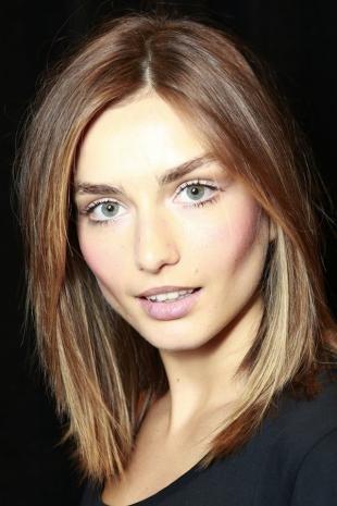 Цвет волос капучино на средние волосы, стрижка каре на прямые волосы